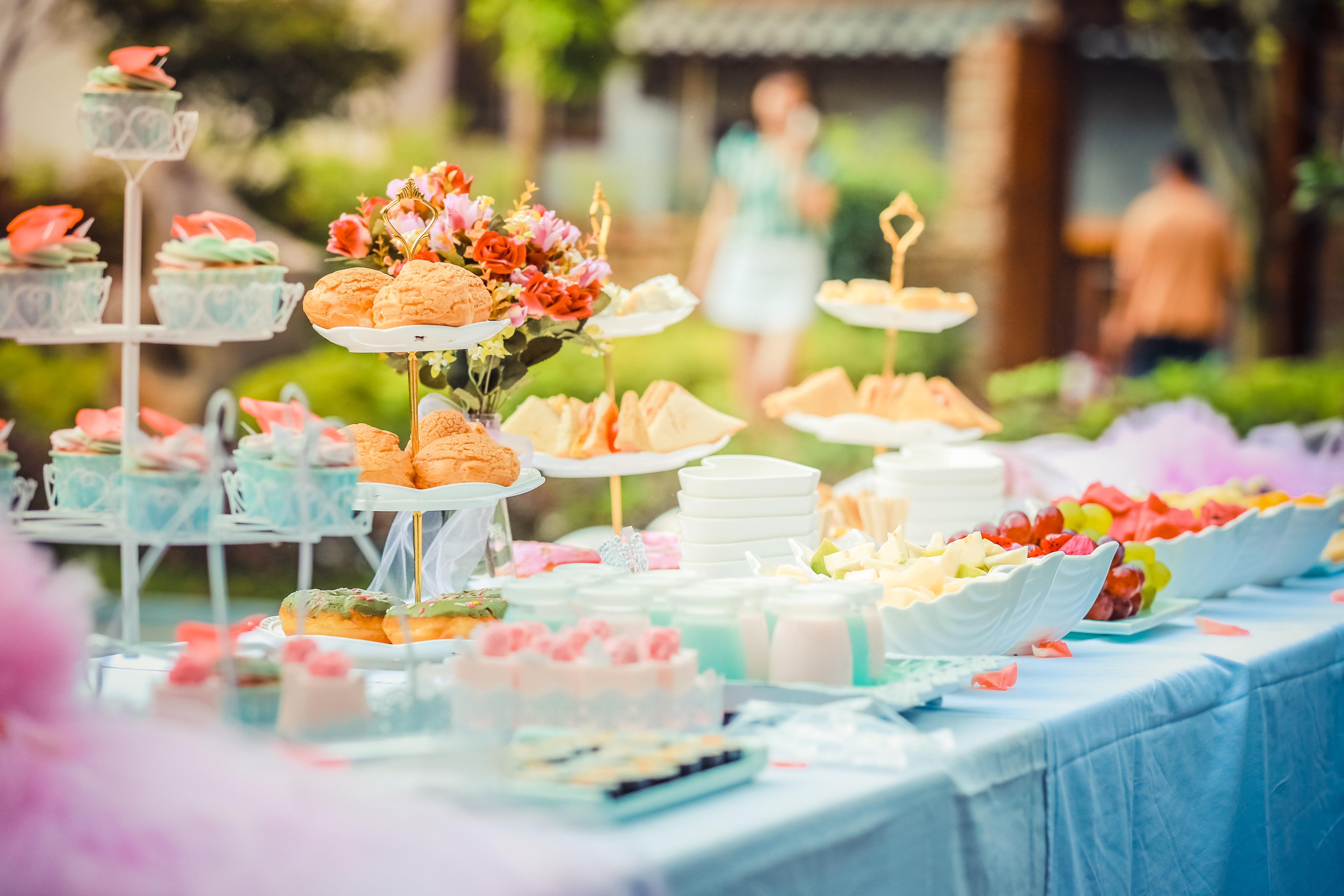 table de mariage avec décoration coupelle